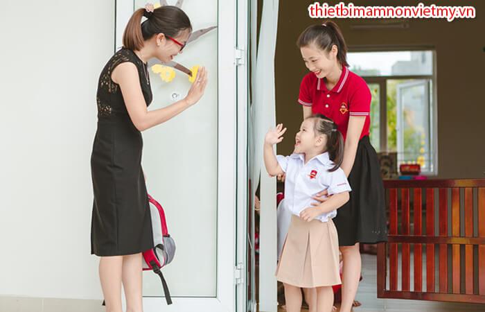 4 Bien Phap Cham Soc Tre Mam Non 6