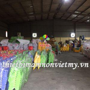 Ban Hinh Tam Giac Mam Non Vm0219 2