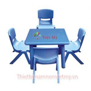 Ban Nhua Hinh Vuong Vm0205 2