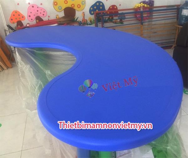 Ban Nhua Hinh Ovan Vm0208 1