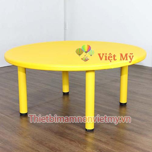 Ban Nhua Hinh Tron Vm0206 2