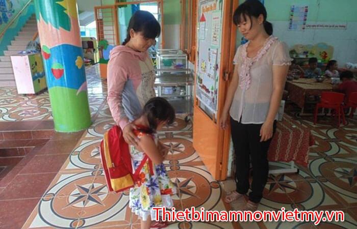 Ba Me Nen Chuan Bi Tam Ly Cho Con Di Nha Tre Nhu The Nao 3