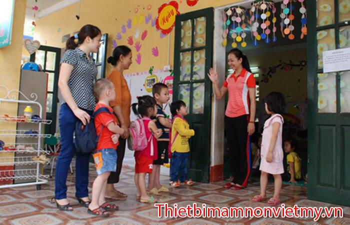 Ba Me Nen Chuan Bi Tam Ly Cho Con Di Nha Tre Nhu The Nao 4