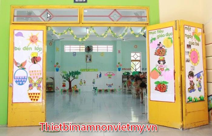 Cach Trang Tri Cua Lop Mam Non Dep 10