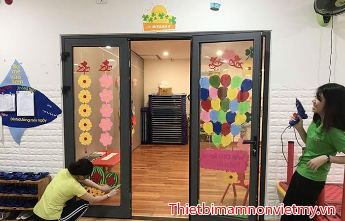 Trang Tri Lop Mam Non 20 11 2